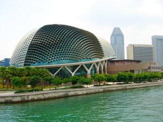 Esplanade, Salles de spectacles et théâtre