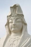 La statue est un gigantesque monument. Impressionnant.