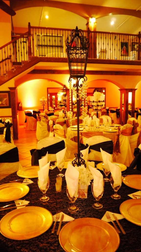 Herreras Reception Hall Amber LED Uplights Table Setting Full