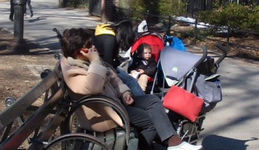 A Filipino Nanny Sitting in New York's Central Park - Photo: Cristina Pastor