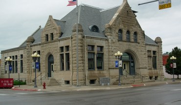 Fremont, NE Chamber of Commerce Building - Photo: llis45/flickr