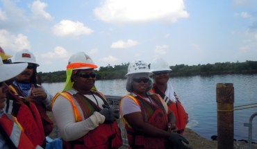 Elena - An oil spill response worker in Hopedale, LA - Photo: Annie Correal