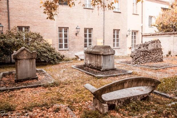 Cortile dei Sarcofagi del Museo Archeologico di Tortona