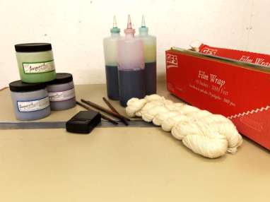 Hand painting yarn supplies
