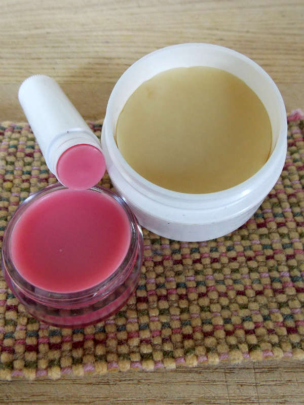 DIY Lotion Bar and Lip Balm Recipe, Fiberartsy.com