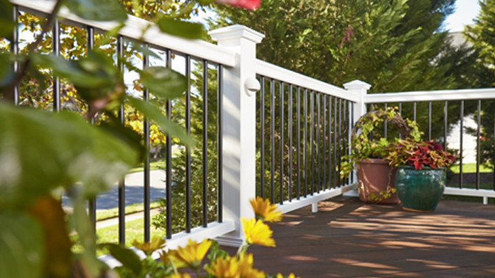 Do It Yourself Home Design: How To Select Your Ideal Deck Railing Color