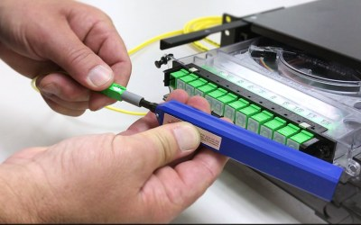 How to install clean fiber optic connectors