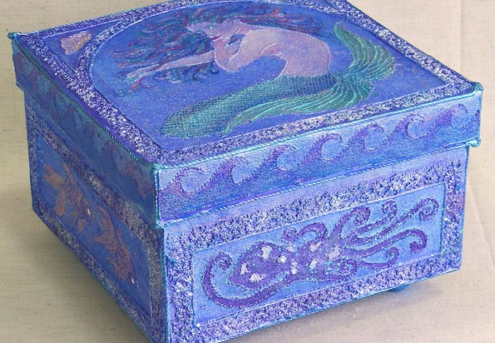 """Mauve Mermaid Treasure Box"""