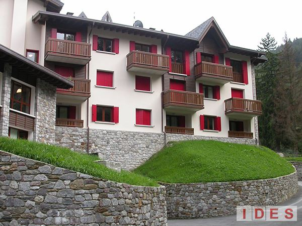 """Residence """"Holiday Park"""" - Ponte di Legno (BS)"""