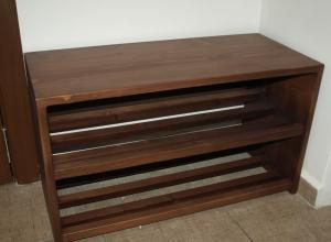 bancuta din lemn masiv de brad, cu doua nivele pentru depozitat incaltaminte