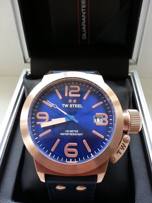 TW STEEL Canteen Unisex Watch with Blue Dial Display and Blue Leather strap CS61