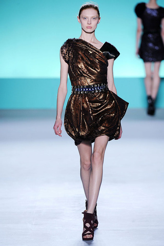 matthew_williamson___pasarela_965503909_320x480