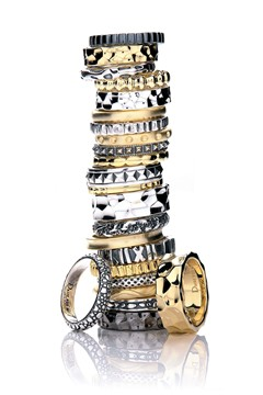 daisy_rings_stack_v_14may10_pr_b_240x360