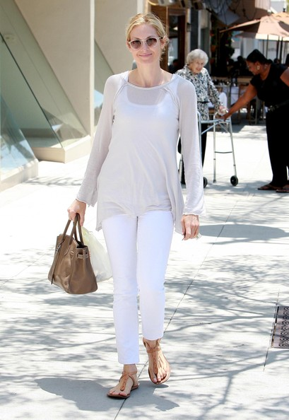 Kelly+Rutherford+Out+Lunch+Beverly+Hills+6A0RnNwJFz2l