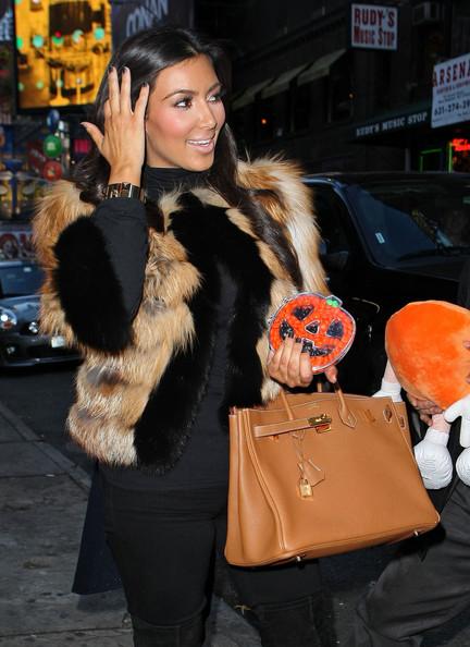 Kim+Kardashian+Kourtney+Kardashian+Leaving+mXuBWBAfgldl