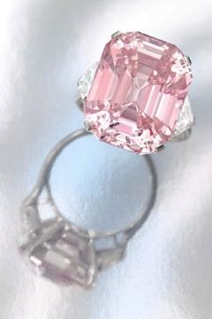 sothebys_pink_diamond_v_26oct10_pr_b_240x360