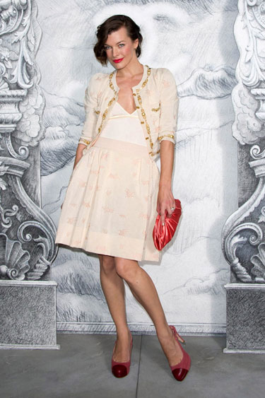 hbz-chanel-couture-2013-parties-Milla-Jovovich-lgn