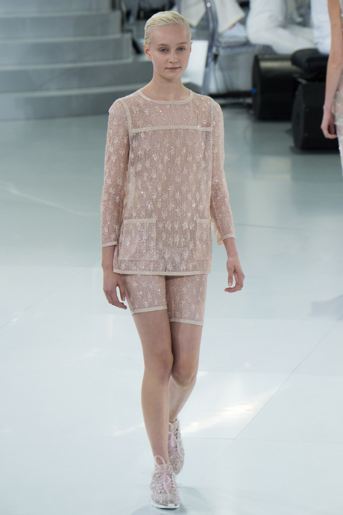chanel-spring-2014-couture-33_104752871912