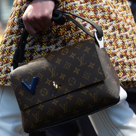 louis-vuitton-cruise-2014-collection-runway-show-handbags-monogram-handbag