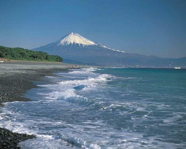 """【Asset No.25 Of Mt.Fuji】One Of New Top Three Sights In Japan; """"Miho-no-Matsubara"""""""
