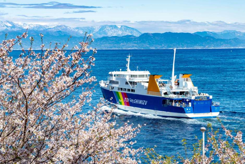 Grand panoramic view of Mt.Fuji and the sea! SURUGA-BAY FERRY