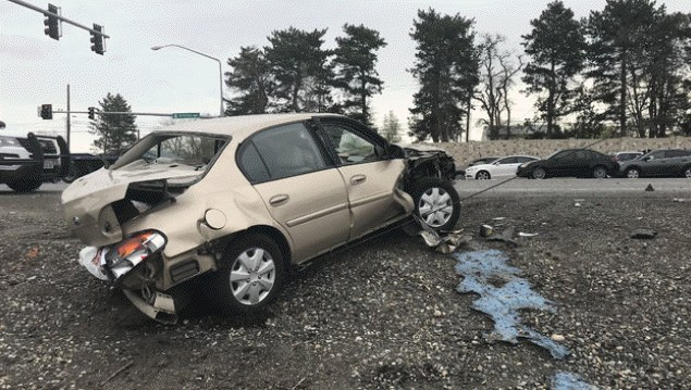 auto crash in Richland injures 76-year-old driver