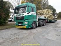 Eléments de grue pour un chantier éolien à St Affrique, en provenance de Belgique