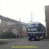 Vieille usine à Lille, avec les accès adéquats.