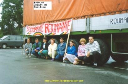 Photo souvenir des membres du convoi pour la Roumanie