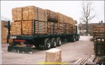 Chargement de bois dans les Landes