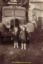 Dès la fin des années 30, les transports Debeaux utilisent ce vénérable Renault AGC