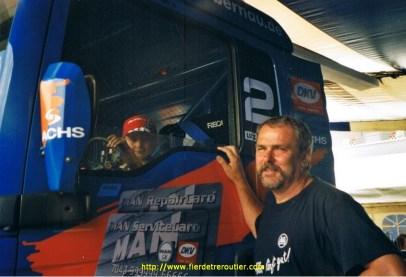 Louis et le pilote Lutz Bernau