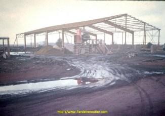 1975 construction des nouveaux locaux.