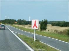 Certaines bretelles ont priorité, et son symbolisées par ce panneau :
