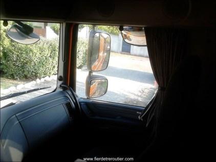 Même retros que sur les 105, mais visibilité améliorée avec l'abandon des 1/2 vitres