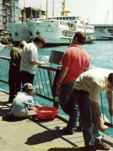 Pecheur au port de Galata