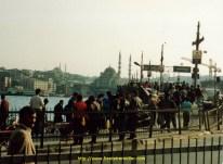Sur le pont du Galata y'a personne ou presque...
