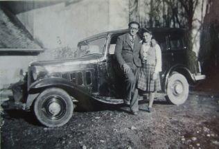 1948- Mme et Mr Francis CHEVRIER devant leur premier véhicule!!