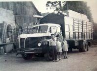 L'activité transport, BERLIET GLM10 avec son chargement de bois