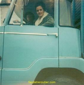 Ma mère au volant de l'Unic