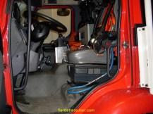 Un véhicule d'incendie avec l'alimentation en air frais du conducteur