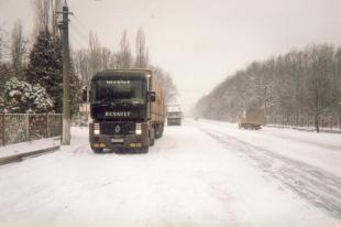 Sur les routes de Roumanie en pleine tempete de neige
