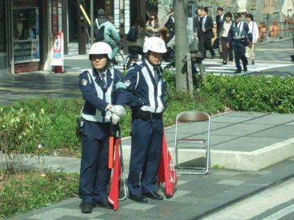 2 policiers pour la circulation