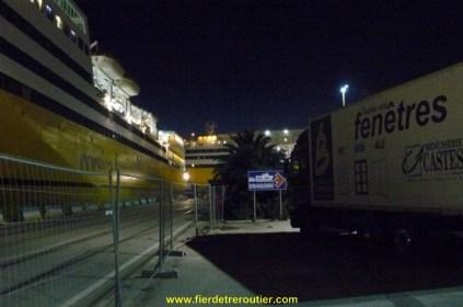 port de Toulon prêt à embarquer