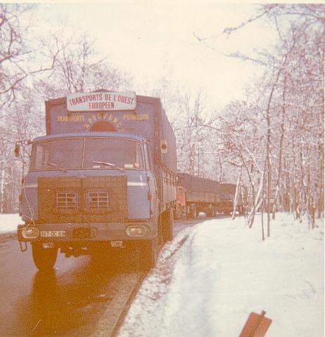 Un des premiers camion, un TR250 camion remorque. Ici dans dans le nord. J'ai finit par pulvériser ce camion après m'etre endormi sur l'A1 entre Roye et Peronne. Tout le monde me croyait mort, pas de bol je suis toujours là!