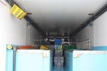 interieur du frigo vivier pour transport de crustacés vivants