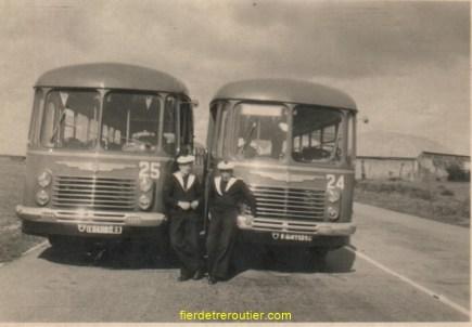 à l'armée en 1953 à droite bus n°24 à PONT REAN « 35 » dans la marine mais il n'a jamais vu un bateau
