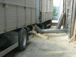 Le tuyau depuis le camion