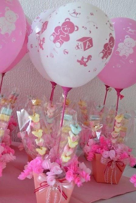 centros de mesa con globos y bombones