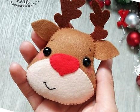 manualidad de reno navideño en fieltro o paño Lency